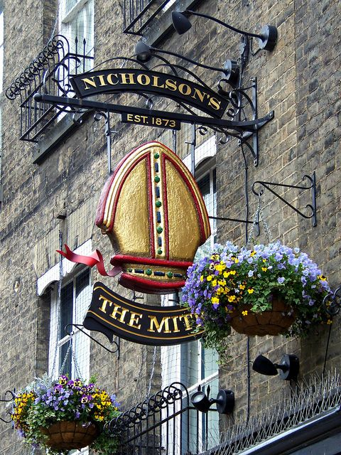 The Mitre sign, Cambridge